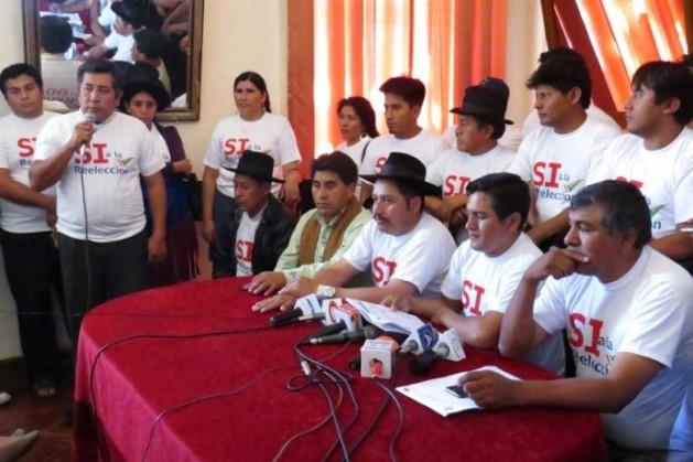 """CAMPAÑA. Los alcaldes de Chuquisaca y el gobernador Esteban Urquizu anuncian que su campaña por el """"Sí"""" ya está en ..."""